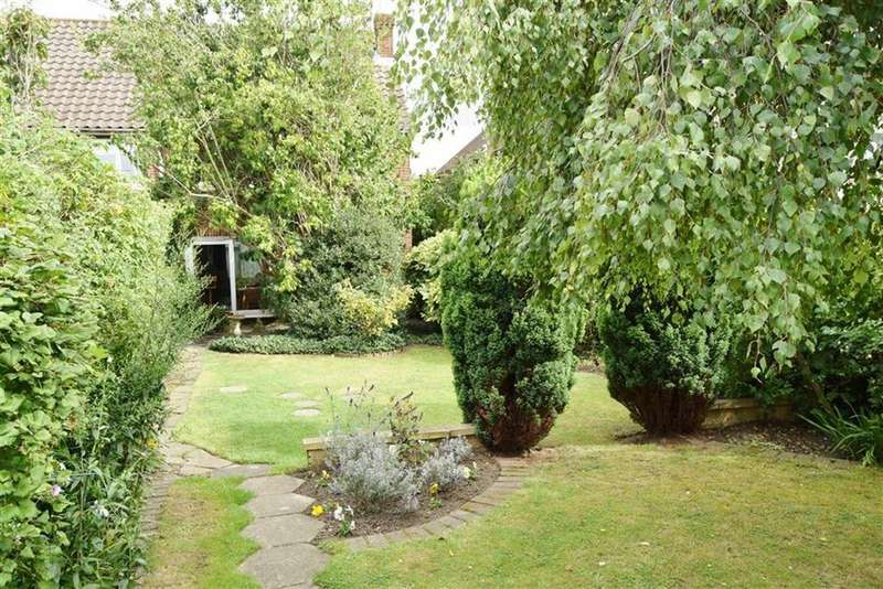 3 Bedrooms Semi Detached House for sale in Main Road, BR8