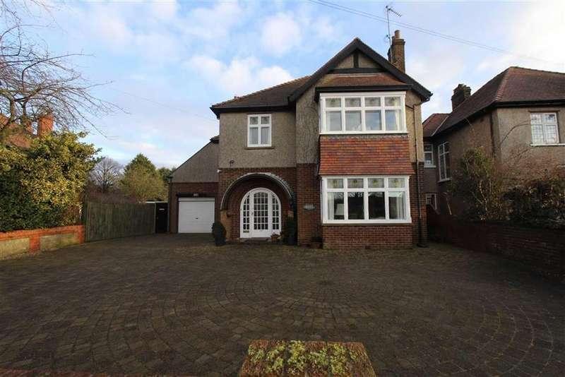 5 Bedrooms Detached House for sale in Kingsgate, Bridlington, East Yorkshire, YO15