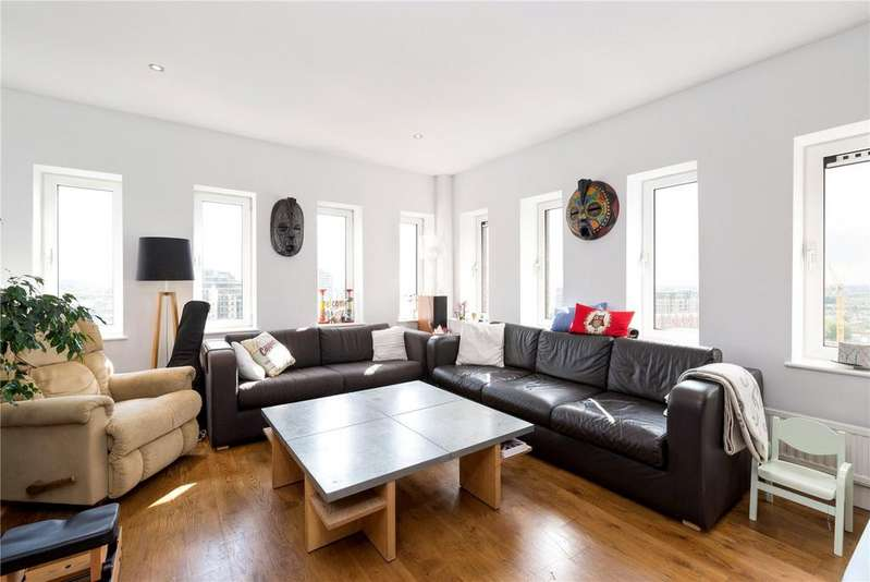 2 Bedrooms Flat for sale in Trade Tower, Plantation Wharf, Battersea, London, SW11
