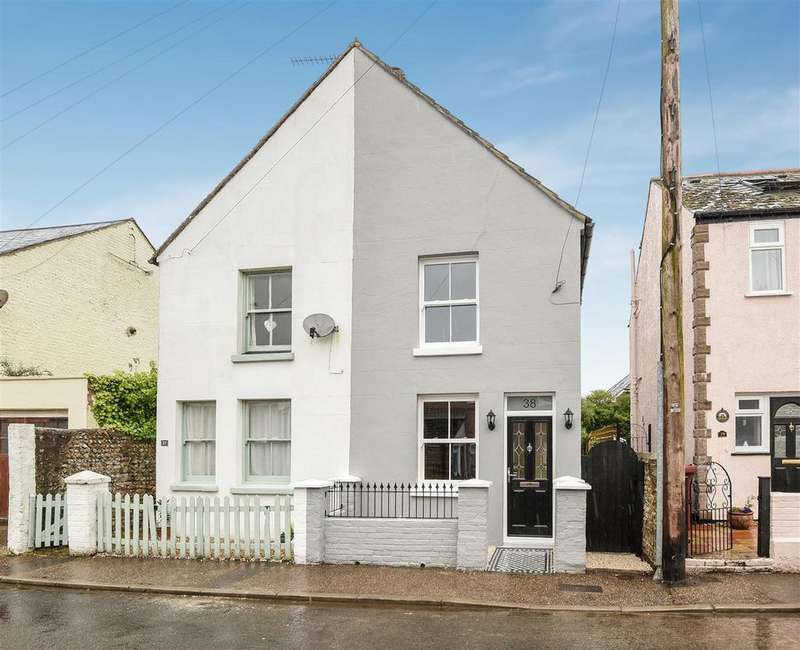 2 Bedrooms Semi Detached House for sale in Chichester