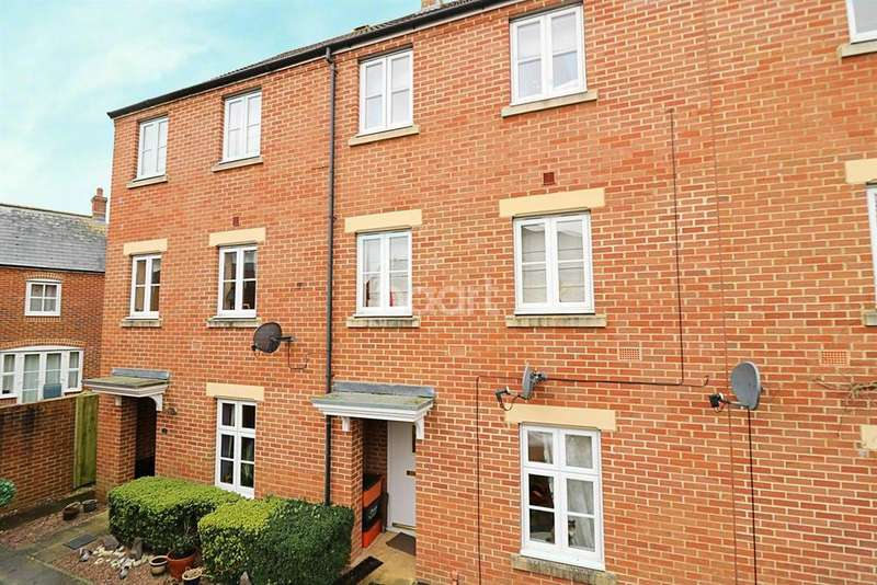 3 Bedrooms Terraced House for sale in Pulsar Road, Swindon, Wiltshire