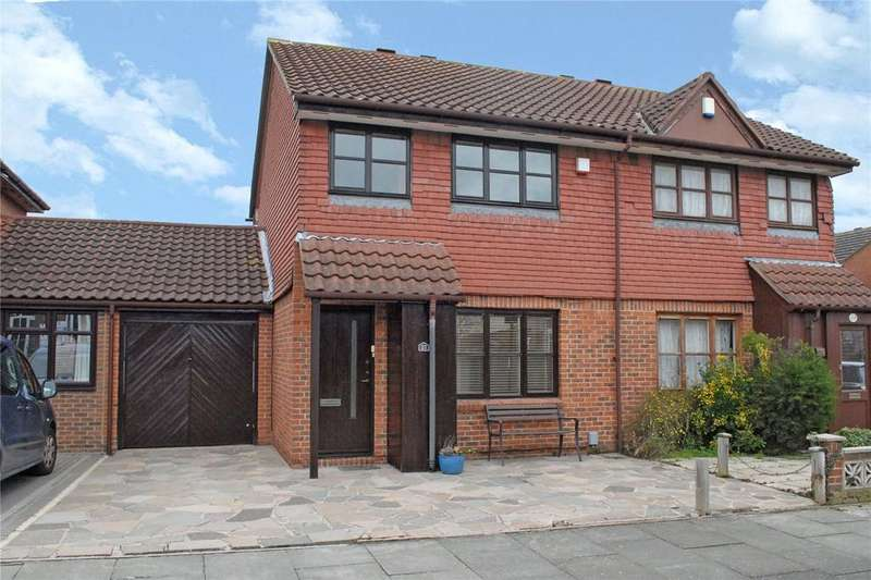 3 Bedrooms Semi Detached House for sale in Bowmead, London, SE9