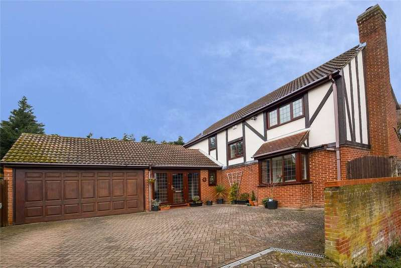 4 Bedrooms Detached House for sale in The Shrubbery, Hemel Hempstead, Hertfordshire, HP1
