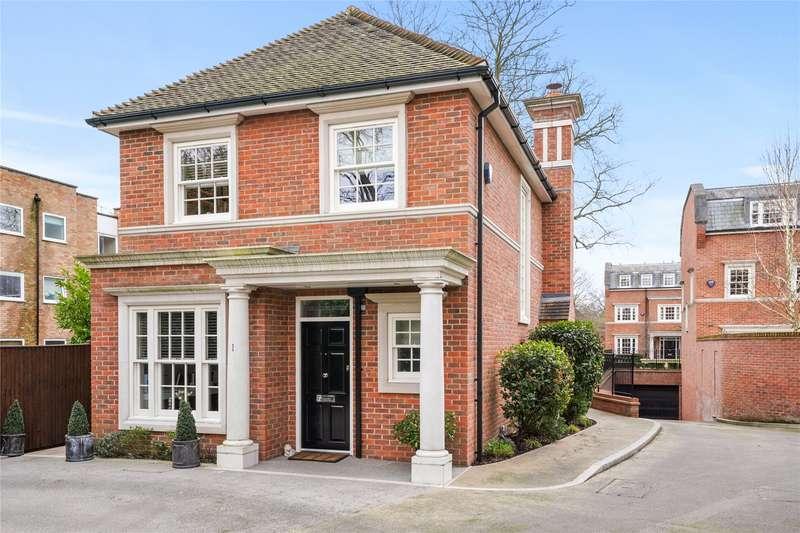 3 Bedrooms Detached House for sale in Warrenhurst Gardens, Weybridge, Surrey, KT13