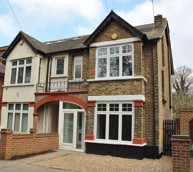 3 Bedrooms Semi Detached House for sale in Pinewood Road , Upper Abbey Wood , London, SE2 0RY