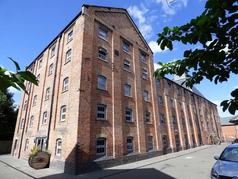 2 Bedrooms Ground Flat for sale in The Malt House, Cairns Close, Lichfield
