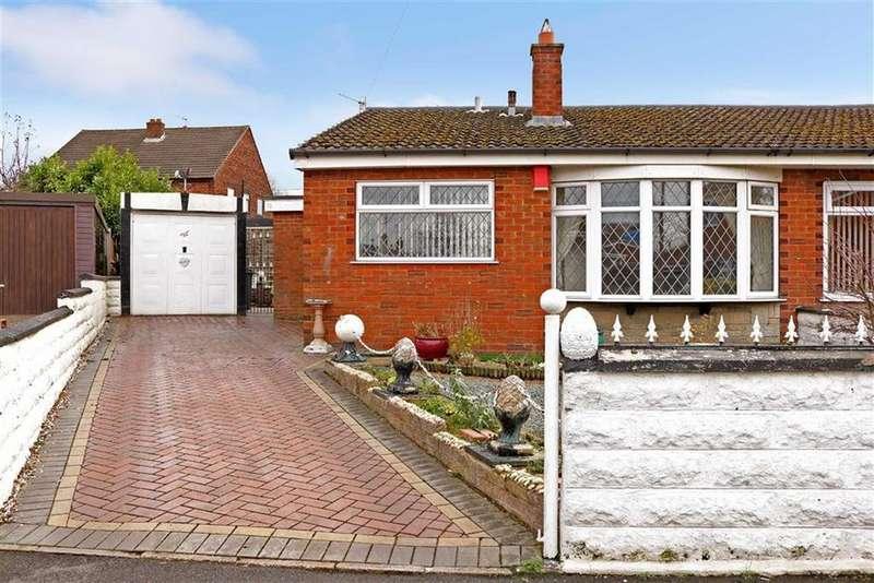 3 Bedrooms Semi Detached Bungalow for sale in Kelmore Close, Longton