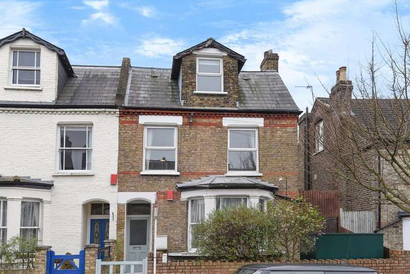 3 Bedrooms Flat for sale in Angles Road, Streatham