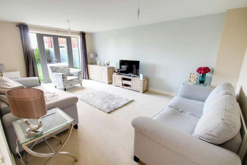 5 Bedrooms Detached House for sale in Lodge Close, Leicester Forest East, Leicester