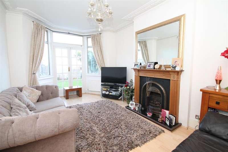 2 Bedrooms Flat for sale in Elmdale Road, Palmers Green, London N13