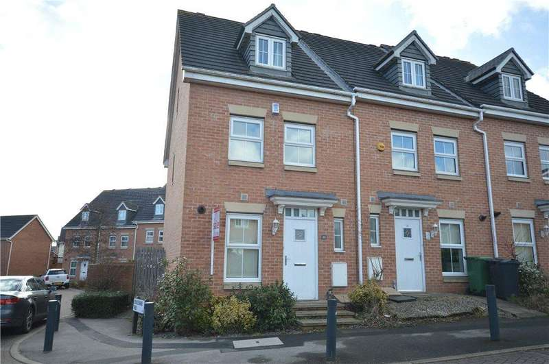 3 Bedrooms Terraced House for sale in The Oaks, Leeds, West Yorkshire