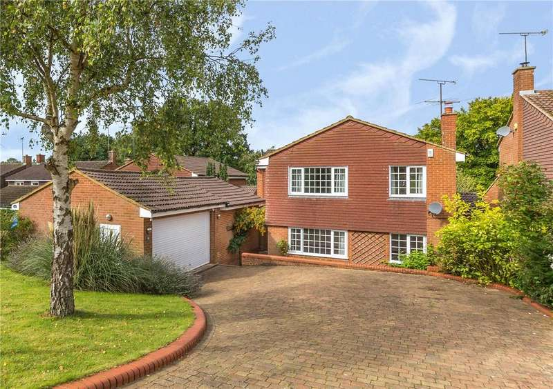 4 Bedrooms Detached House for sale in Holywell Road, Studham, Dunstable, Bedfordshire