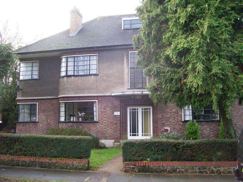 3 Bedrooms Maisonette Flat for rent in Grove Avenue, Sutton - AVAILABLE SOON