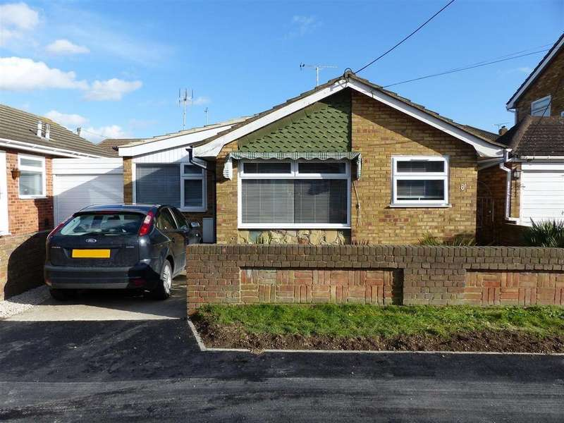 2 Bedrooms Detached Bungalow for sale in Linroping Avenue, Canvey Island