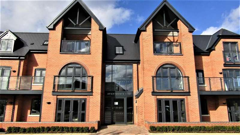2 Bedrooms Apartment Flat for rent in Lakeside Apartments, Barton Marina
