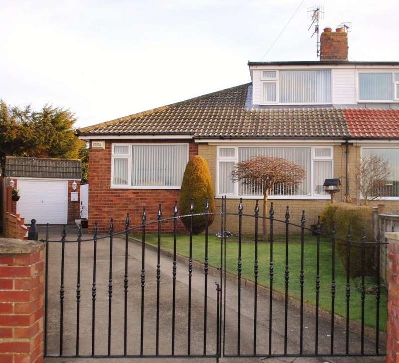 3 Bedrooms Semi Detached Bungalow for sale in Southgate, Scarborough