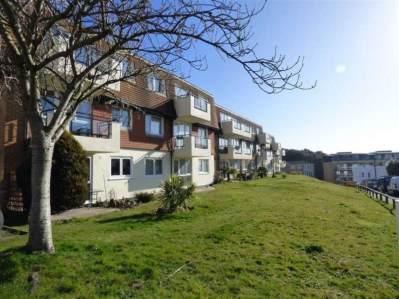 2 Bedrooms Flat for sale in St Johns Road, Boscombe Spa, Bournemouth, Dorset, BH5