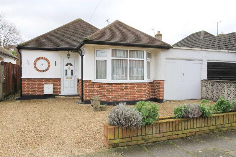 2 Bedrooms Detached Bungalow for sale in Primrose Gardens, Ruislip