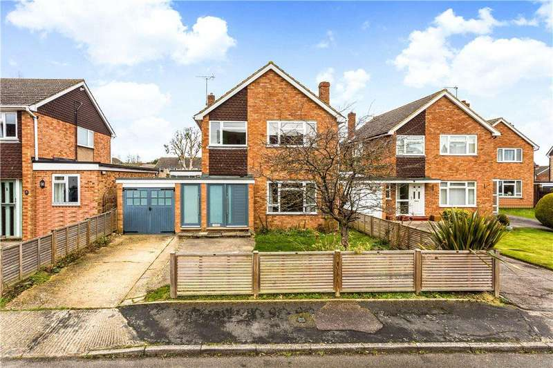 4 Bedrooms Detached House for sale in Marriotts Way, Haddenham, Aylesbury, Buckinghamshire