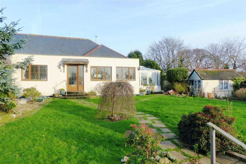 2 Bedrooms Semi Detached Bungalow for sale in Bodmin Road, Truro