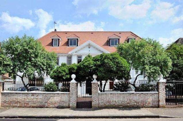 8 Bedrooms House for rent in Roedean Crescent Roehampton SW15