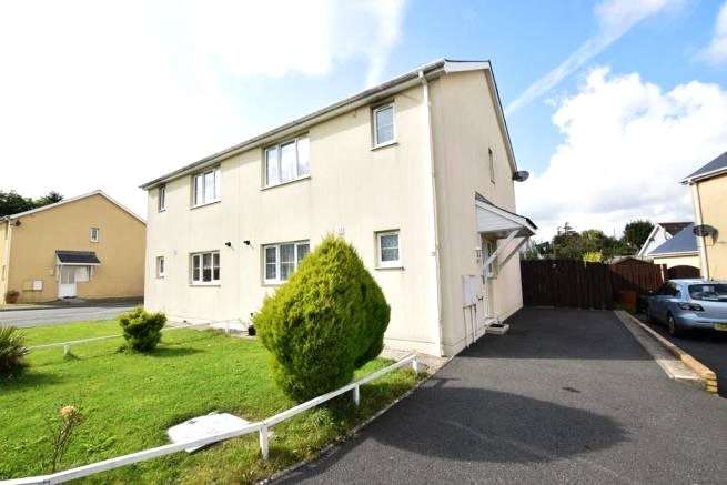3 Bedrooms Semi Detached House for sale in Hubberston Court, Hubberston, Milford Haven