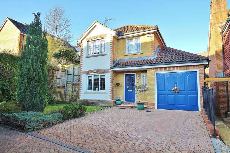 4 Bedrooms House for sale in Strathcona Gardens, Knaphill, Woking, Surrey, GU21