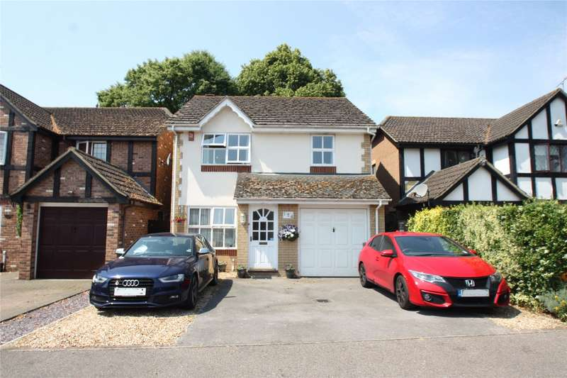 4 Bedrooms Detached House for sale in Alexandra Gardens, Knaphill, Woking, Surrey, GU21