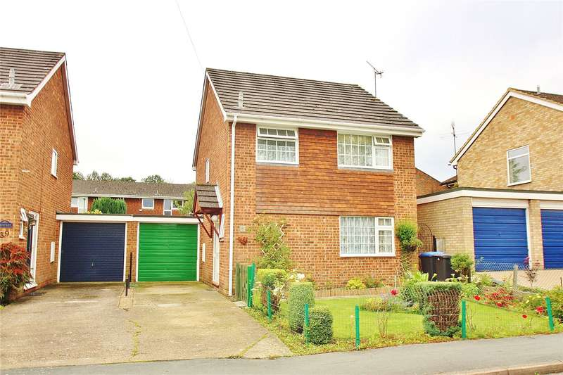 3 Bedrooms Detached House for sale in Victoria Road, Knaphill, Woking, Surrey, GU21