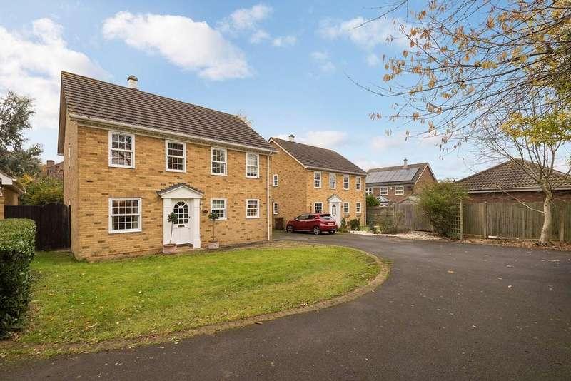4 Bedrooms Detached House for sale in Claridge Court, Hempstead, Gillingham, ME7