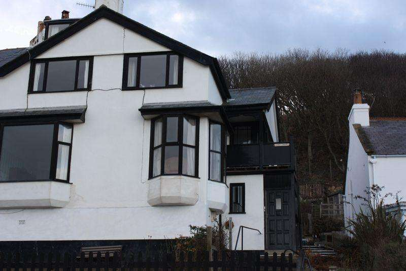 3 Bedrooms Apartment Flat for rent in The Parade, Sandsend, Whitby