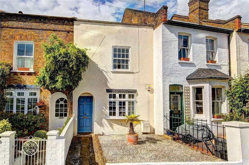 2 Bedrooms Terraced House for sale in Victor Road, Teddington, TW11