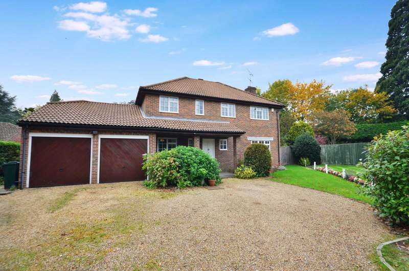 4 Bedrooms Detached House for sale in Parkfield, Chorleywood, Hertfordshire, WD3