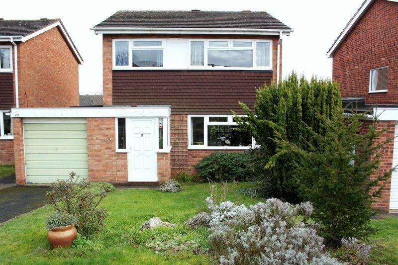 3 Bedrooms Detached House for sale in Holloway Drive, Pershore