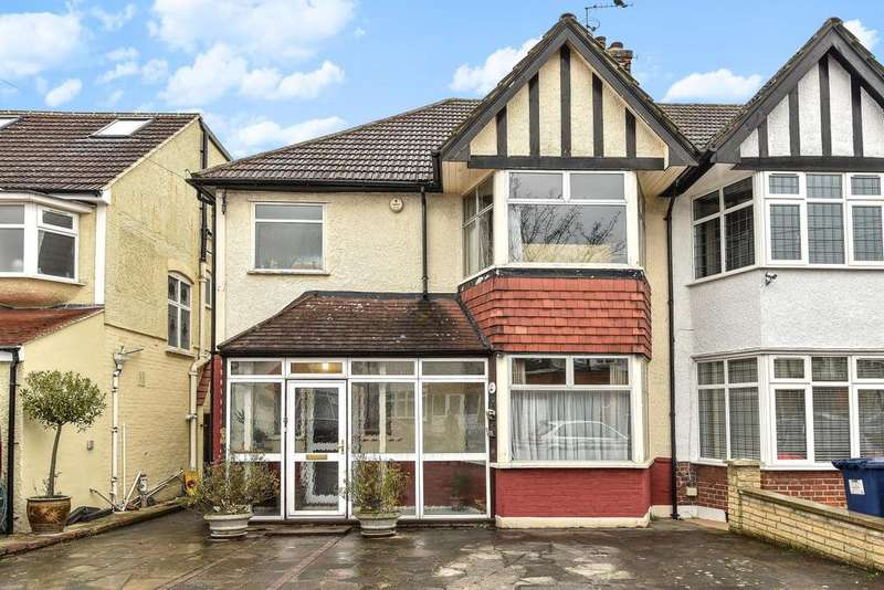 3 Bedrooms Semi Detached House for sale in Lewes Road, North Finchley