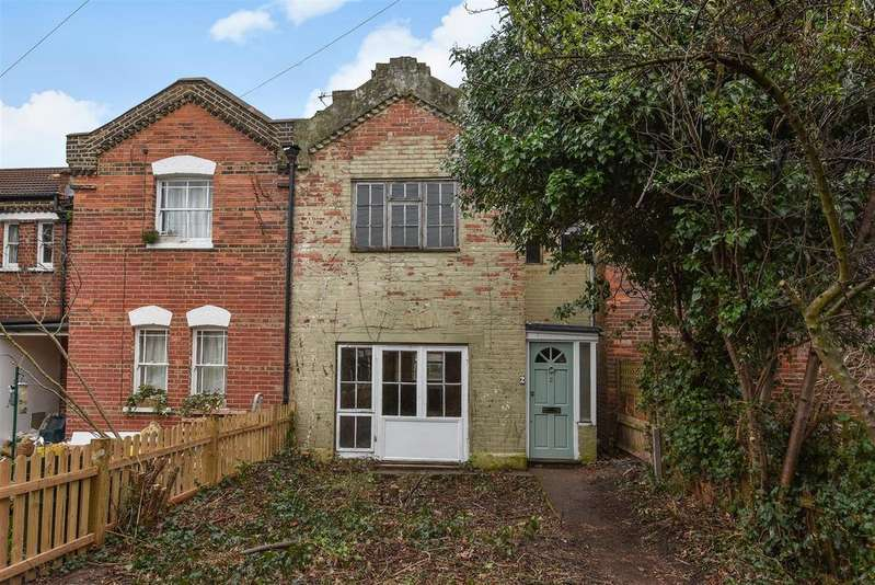 2 Bedrooms House for sale in Victoria Road, Mortlake, London, SW14