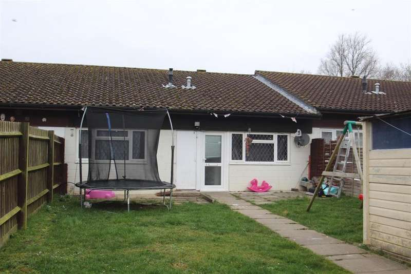 3 Bedrooms Bungalow for sale in Jonathans, Coffee Hall, Milton Keynes