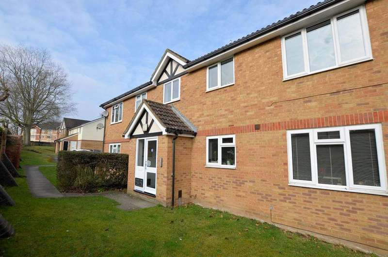 2 Bedrooms Flat for sale in Groveland Place Reading