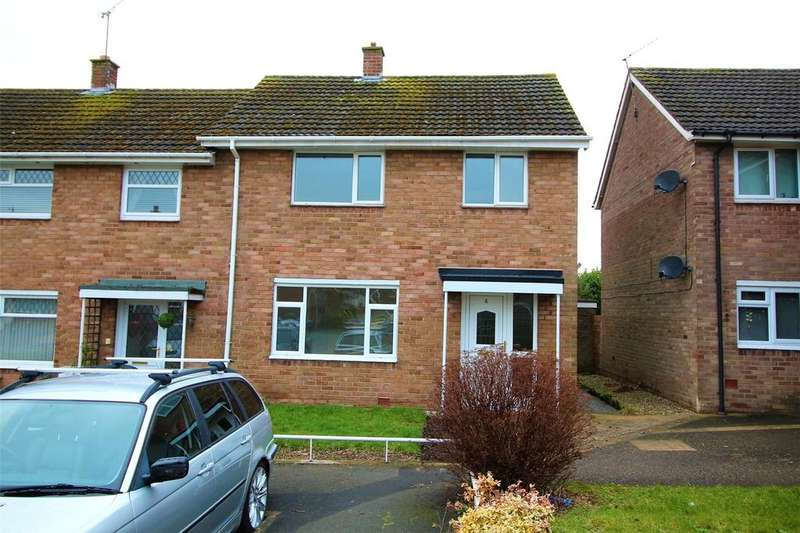 3 Bedrooms End Of Terrace House for sale in Stratford Close, Acton, Wrexham, LL12