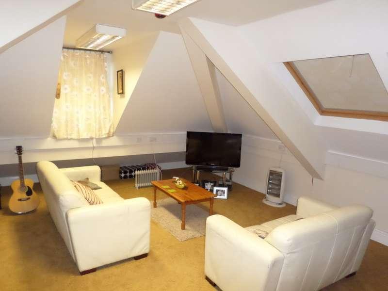 2 Bedrooms Apartment Flat for rent in Yardley Wood Road, Birmingham B14