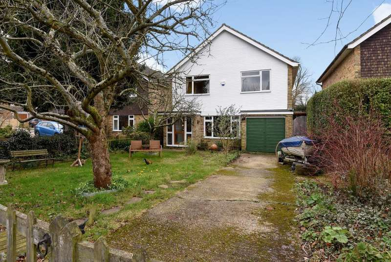 4 Bedrooms Detached House for sale in Woolford Close, Winkfield, RG42