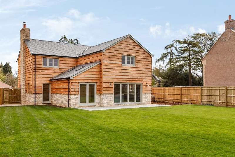 4 Bedrooms Detached House for sale in Peppard Common, Oxfordshire, RG9
