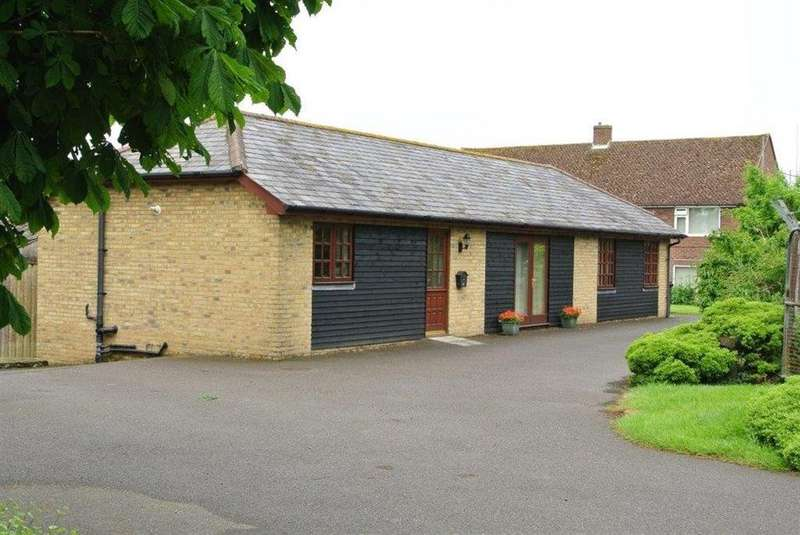 2 Bedrooms Bungalow for rent in Forge Lane, Whitfield, Near Dover