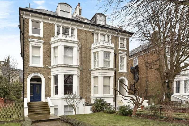 2 Bedrooms Flat for sale in Cambridge Park, East Twickenham, TW1