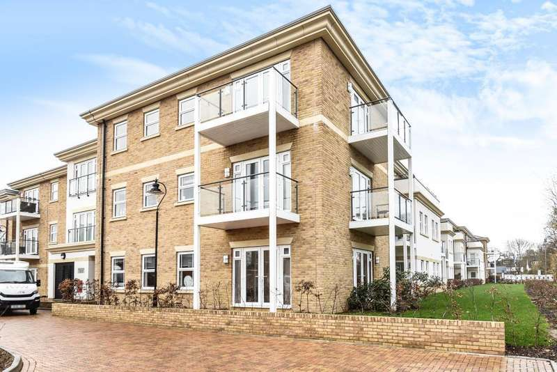 2 Bedrooms Flat for sale in Lower Sunbury, Middlesex, TW16