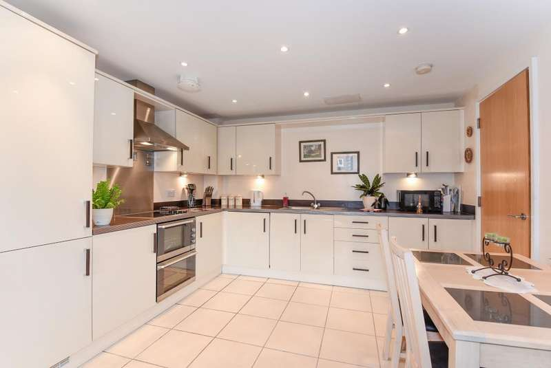 1 Bedroom Flat for sale in High Wycombe, Buckinghamshire, HP13