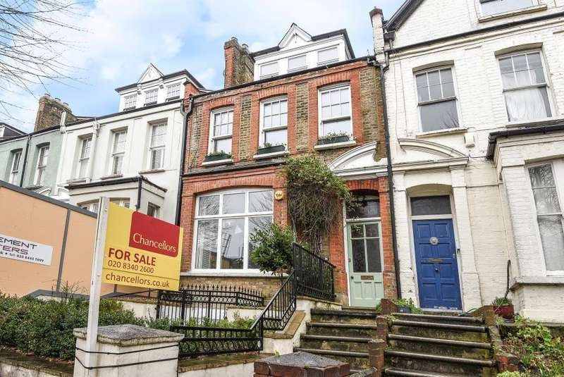3 Bedrooms Maisonette Flat for sale in Ridge Road, Crouch End, London, N8