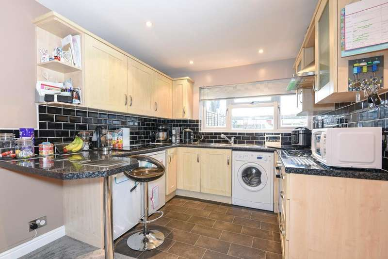 1 Bedroom Maisonette Flat for sale in Barnard Crescent, Aylesbury, HP21