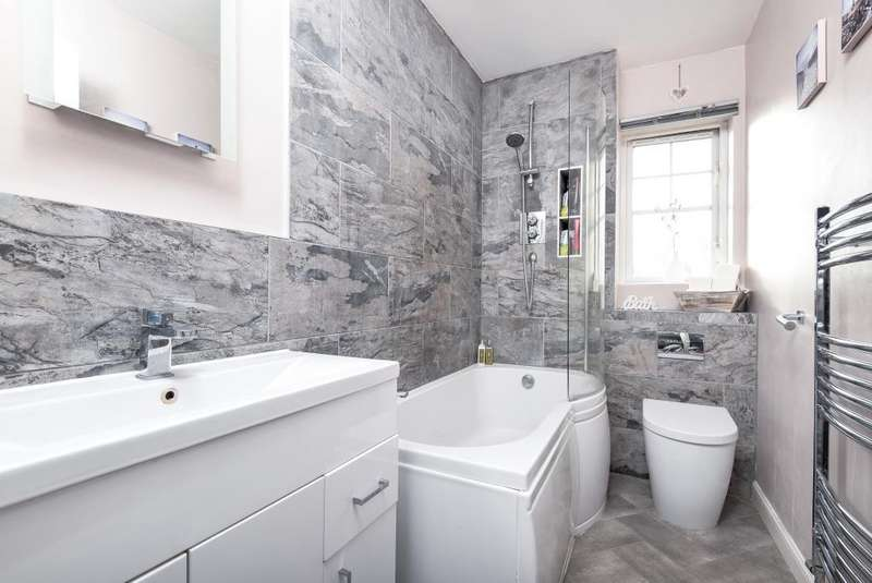 2 Bedrooms House for sale in Darnell Walk, Bicester, OX26