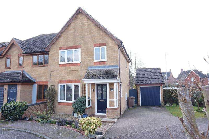 3 Bedrooms Semi Detached House for sale in Thistledown Road, Horsford, Norwich